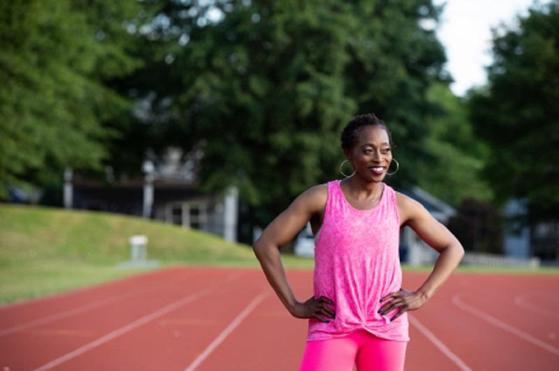 Gail Devers, tres veces medallista de oro olímpica, se asocia con la comunidad de Graves para centrarse en la enfermedad ocular tiroidea